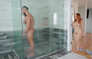 Redhead voluptuous beauty Summer Hart likes shower sex